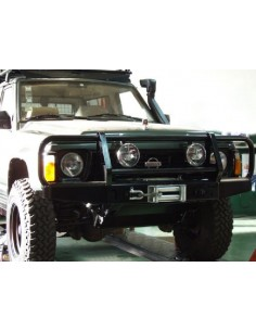 Nissan Patrol Y 60 Pare choc avant