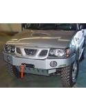 Nissan Terrano II 4M (5pts) Pare choc avant